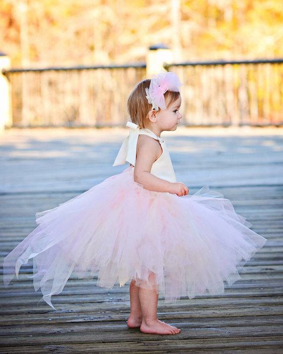 Absolutely adorable flower girl dress