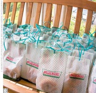 Edible Wedding Favors doughnut wedding favours