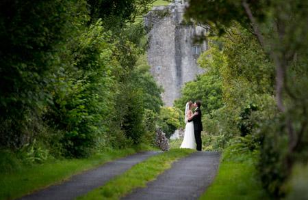 Castle and a Céilí bridal couple in the forest