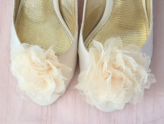 cream pompom Sunday Shoes - Shoe Clips