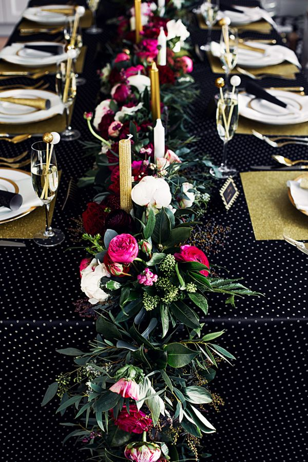 glamorous table garland flowers wedding Tabletop Garlands