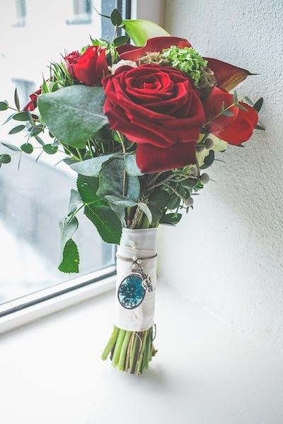Red brides bouquet