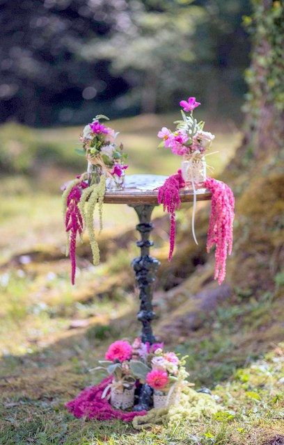 loose relaxed pink and green wedding flowers