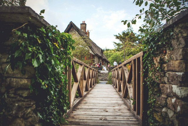 Ireland thatch house wedding